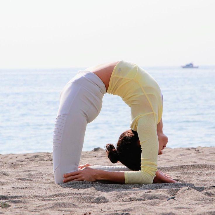 I think Asana is moving meditation, art of human's body and journey to the heart. #whatithinkabout #yogapractice 🙏🏼✨ / wearing @aloyoga bending in #kapotasana . . . . . . . . Yoga practice can be #meaningful depenon How we #workon #keeppassion#compassion #dedicated #whatyoulove . #yoga#myyogajourney #movingmeditation #asanaisart#yogaart #yoga4growth #heartopening#openmyheart#stayblessed #beachyoga#feeltheyogalove #yogaislife#yogaislove#bendingfromheart#backbendlove #今日もヨガ#ヨガに出会って感謝…