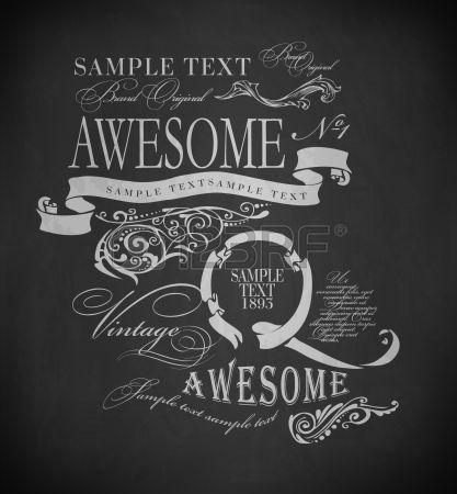 typographie à la craie, des éléments de conception de calligraphie, décoration de la page et des étiquettes de dessin à la craie sur le tableau noir photo