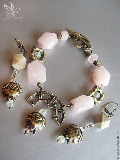"""Браслет и серьги """"Арбузный десерт"""". Натуральные камни. - бледно-розовый"""