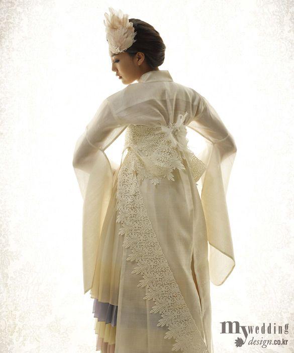 laced hanbok.someday lah ya,pas gw nikah ma Daesung..