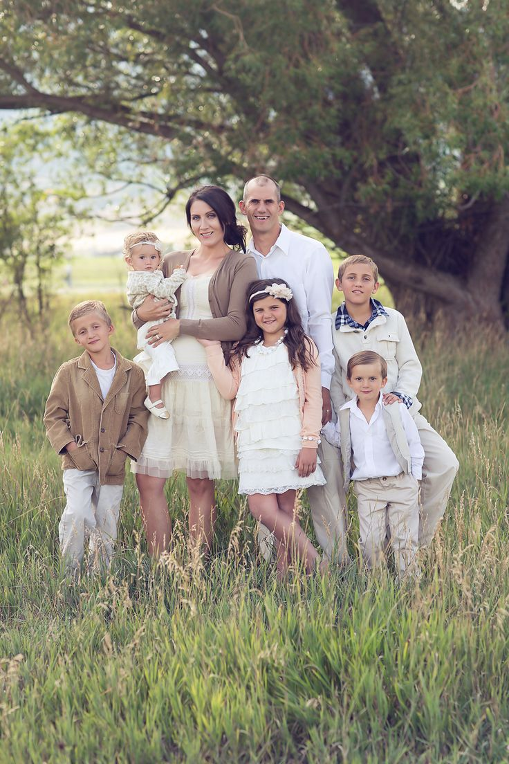 Probably the most lovely family picture IN THE WORLD! Melissa Fullmer Photography