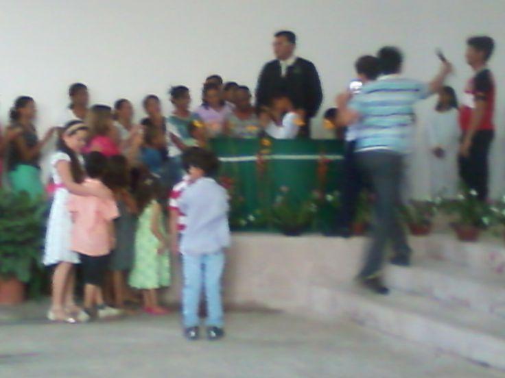Batismo da Primavera - Culto JA - Pastor Fabio Lazaro batiza o primeiro juvenil filho de adventista. Em 28/09/2013