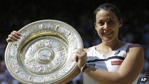 """John Inverdale 'has written to Marion Bartoli over remark' BBC commentator John Inverdale says he has written to Wimbledon champion Marion Bartoli to apologise for saying she was """"never going to be a looker""""."""