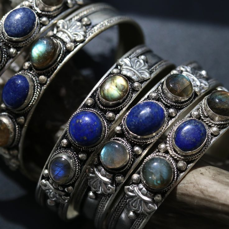Darkness Falls Amulet Cuff 02 *Style Selection
