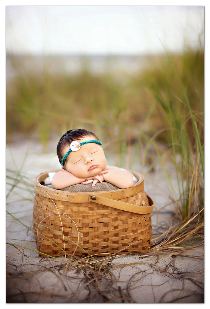 ADORABLE, perfect for our future lil beach baby!! :)