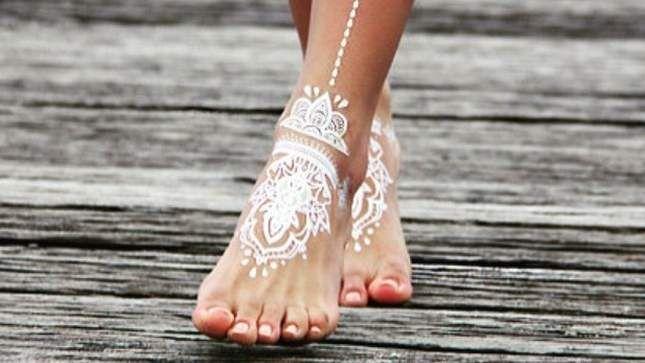 White henna in the feet