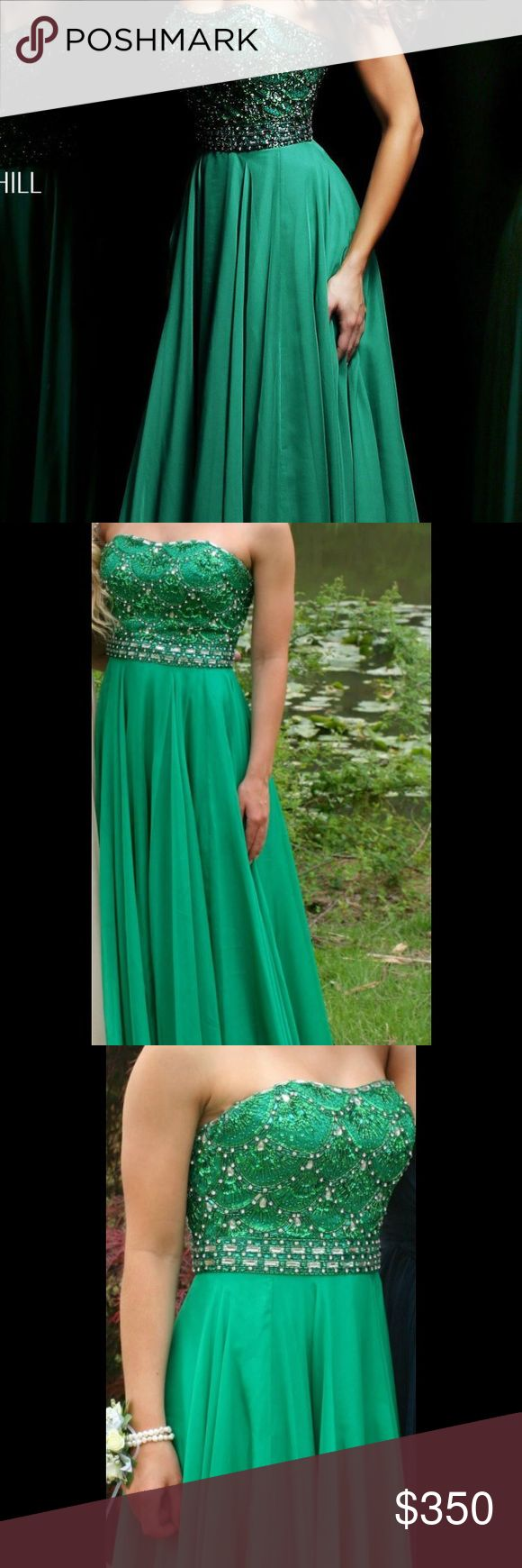 Sherri Hill Prom dress! Sadie Robertson line Size 4, tailored to fit a 5'3 height! Only worn once Sherri Hill Dresses Prom