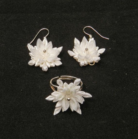 "Kanzashi set ""Snowflakes"" of ring and earrings LazuritLouise on Etsy"