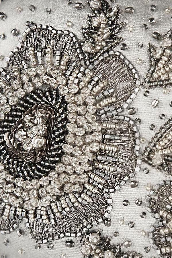 ✭ ✭ Bordado antigo,belos bordados com miçangas e pérolas, lantejoulas e pérolas, vidro - / ✭ ✭ Old embroidery, beautiful embroidery with beads and pearls, sequins and pearls, glass -