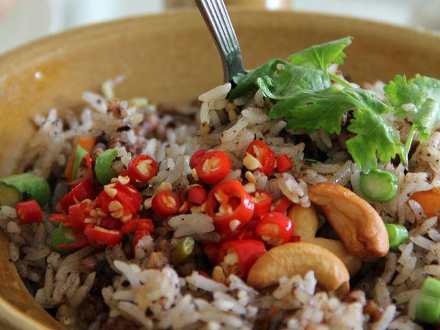 An Affair at the Loving Hut: Bangkok's Healthy Go Veg Restaurant