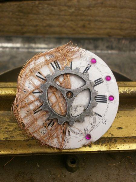 Spilla steampunk quadrante orologio vintage di PuRuBag su DaWanda.com
