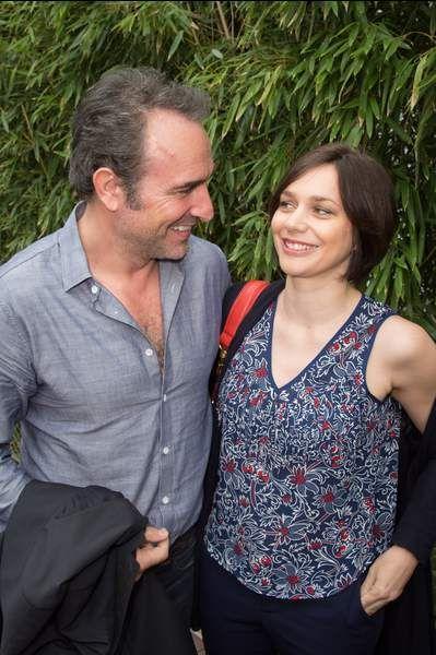 C'est en voyant Nathalie Péchalat dans sa télé que Jean Dujardin est tombé amoureux d'elle. Comme quoi
