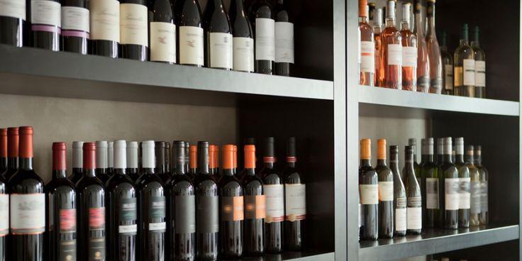 Samen met Harold Hamersma schreef wijnjournaliste Esmee Langereis wijngids De Grote Hamersma 2017. Dit zijn haar favoriete wijnen uit de schappen van...