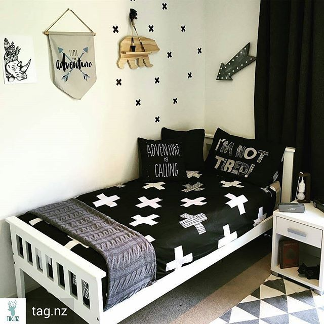 I would never get out of bed if I had an amazing room like this lol…