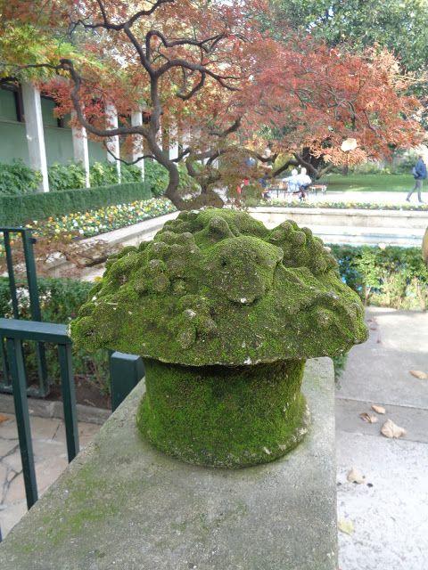 Il giardino di Villa Necchi Campiglio in autunno - Milano