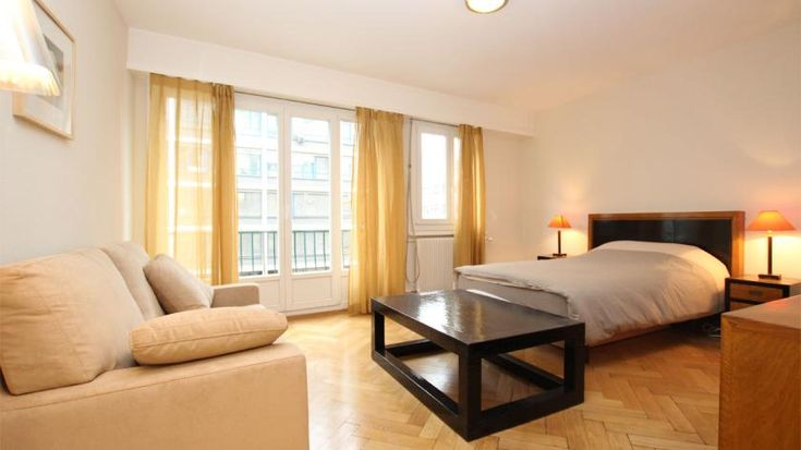 Furnished studio - RUE DE LAUSANNE 68  - Furnished apartment - GENEVA - Switzerland - CHF 2200 Furnished studio for rent.  Located nearby Cornavin train station's area. Close to the lake, downtown and all utilities.  Pleasant studio including :   - a bedroom with a living area   – a fully equ