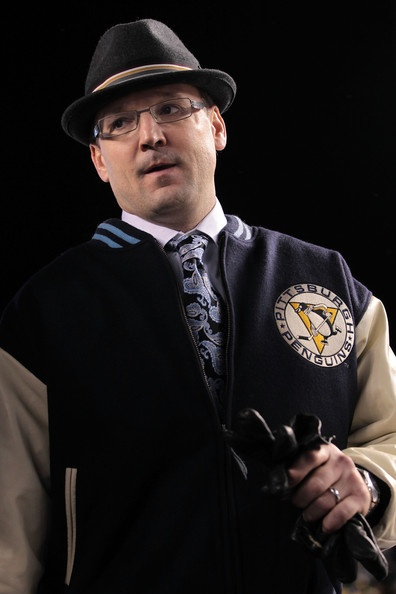 Pittsburgh Penguins coach Dan Bylsma at the Winter Classic. I want that jacket so badly.