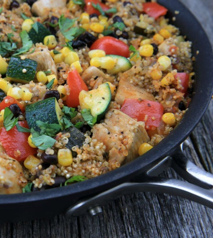 Didn't think it was possible to make a one-skillet meal that's easy and healthy? It is! And it's called Mexican chicken quinoa. - Everyday Dishes & DIY