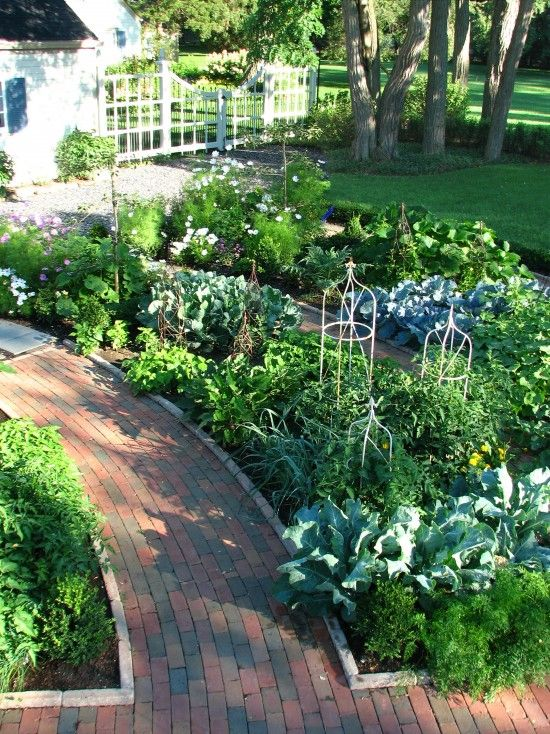 Vegetable Gardens Design, Pictures, Remodel, Decor and IdeasGardens Ideas, Edible Gardens, Traditional Landscapes, Potager Gardens, Front Yards, Vegetables Gardens, Veggies Gardens, Vegetable Garden, French Style