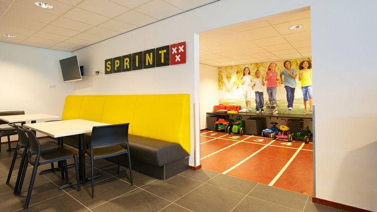 Kidscorner met fotobehang bij Atletiekvereniging Sprint in Breda.