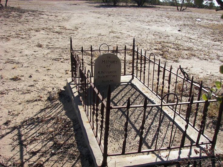 Grave, Tinga Tingana Ruins