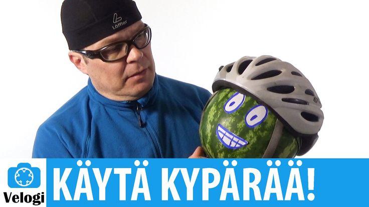 Pyöräilykypärän merkitys | Törmäys kypärän kanssa ja ilman (video 1:59).