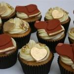Hungarian Vizsla dog cupcakes  www.thelittlevillagecakery.co.uk