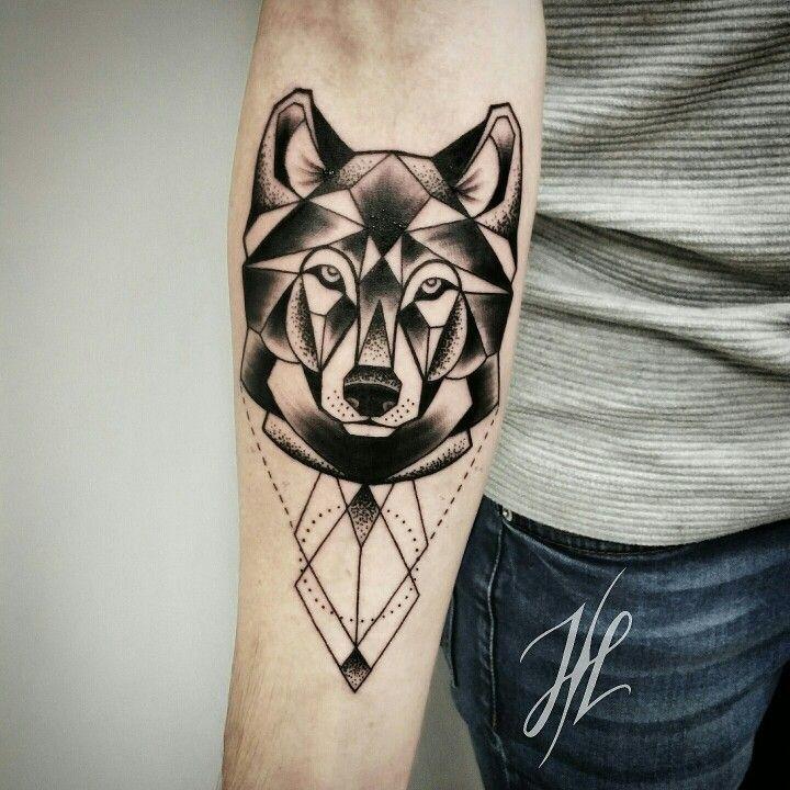 Geometric wolf by marjorianne marjorianne tattoos - Tatouage loup mandala ...