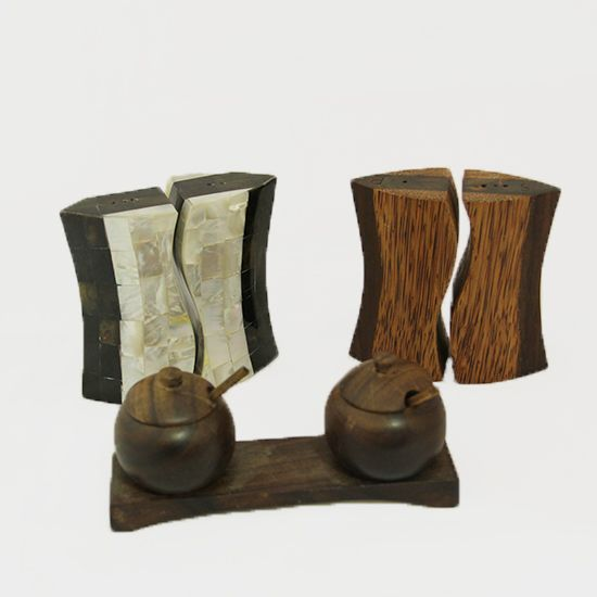 Tempat Garam dan Lada | Terbuat dari kayu sono, kayu kelapa, dan kerang mutiara