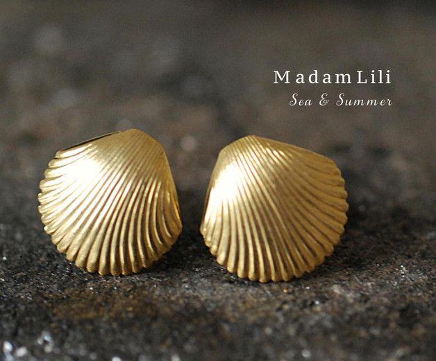 70er Jahre Vintage Muschel Ohrringe für Sommerfeeling / vintage shell stud earrings for summer feeling by MadamLili via DaWanda.com