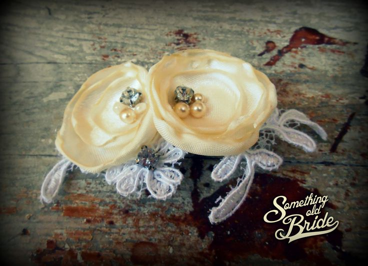 Custom made Vintage Floral Lace Bridal Headdress www.somethingoldbride.com Facebook/Something Old Bride