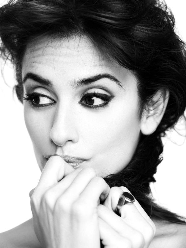Juan Gatti - Photographers - Portraits - Penelope Cruz | Michele Filomeno