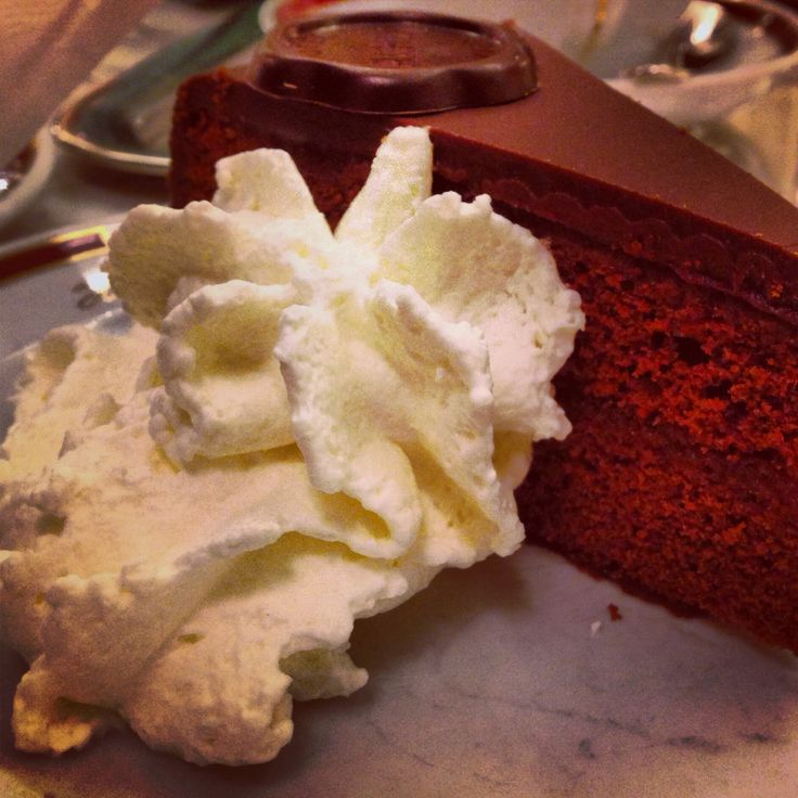 #Cake #chocolate #popular #tradition #vienna #austria #cafe #cream