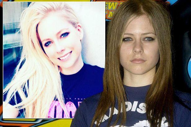 Avril Lavigne sudah meninggal dunia sejak tahun 2003 dan Melissa Vandella diupah untuk menyamar?   BENARKAH penyanyi Avril Lavigne telah meninggal dunia pada 2003 dan dia digantikan dengan seseorang yang mempunyai wajah yang sama agar karier muziknya terus berjalan?hmmm.  Avril Lavigne sudah meninggal dunia sejak tahun 2003?  Avril Lavigne sudah meninggal dunia sejak tahun 2003? sumber gambar dari http://ift.tt/2dpDGuM  Spekulasi berkenaan yang telah kedengaran sejak bertahun-tahun lalu kini…
