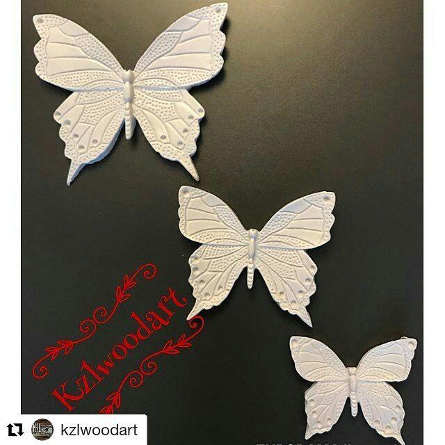 #Repost @kzlwoodart (@get_repost) ・・・ Merhaba arkadaşlar açılışa özel fotoğraftaki kelebekleri istediğiniz renklerde boyayıp #hediye etmek istiyorum. Asma aparatları mevcuttur . Çekilişe katılmak için fotoğrafın altına 3 arkadaşınızı etiketlemeniz ve sayfamı takip ediyor olmanız yeterli olacaktır. Çekilişe son katılım 28 Mayıstır. Ne kadar çok arkadaşınızı eklersiniz okadar çok şansınız artar . Hadi başlayalım ozaman ����⭐️❤️ #çekilişvar #hediyelik #polyester #polyesterboyama �� #ahşapboyama…