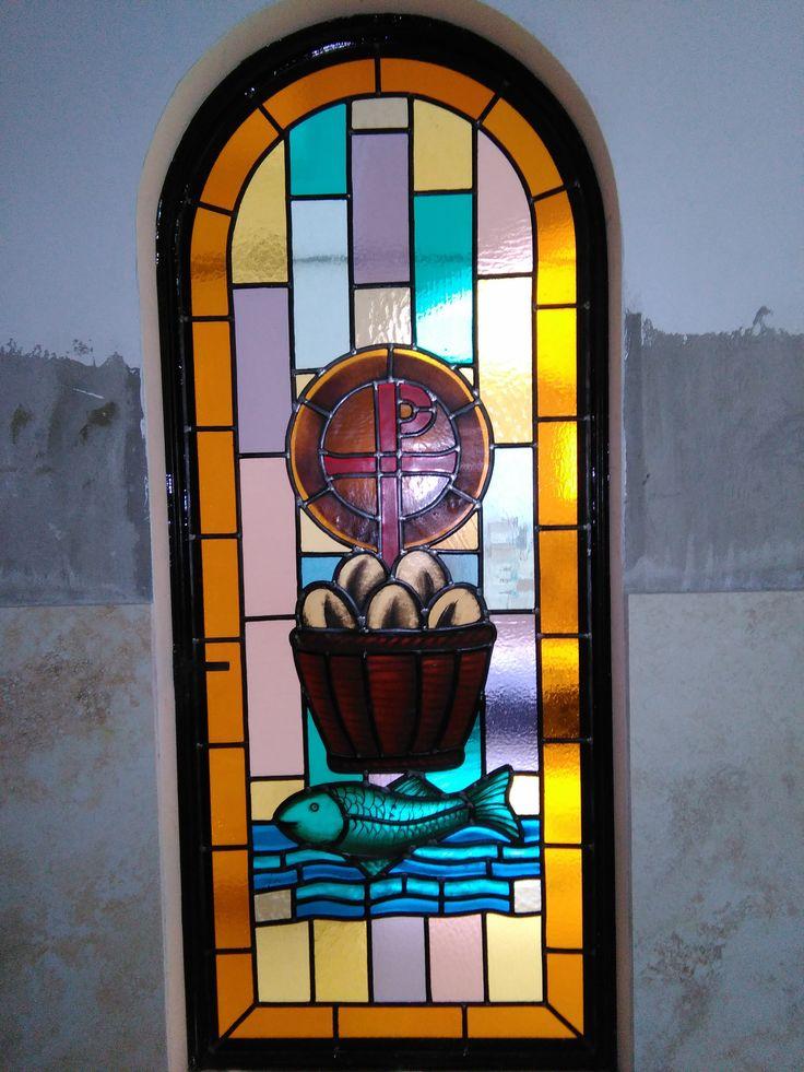 Vitral con simbolo religioso, hecho para Capilla en Clinica de reposo particular.Distrito de Surco, Lima, Perú.