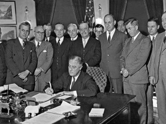 Pres. Franklin D. Roosevelt, signing the Agricultural ...