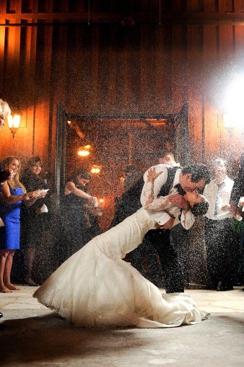 25 Unique Fake Snow Wedding Ideas On Pinterest Snow