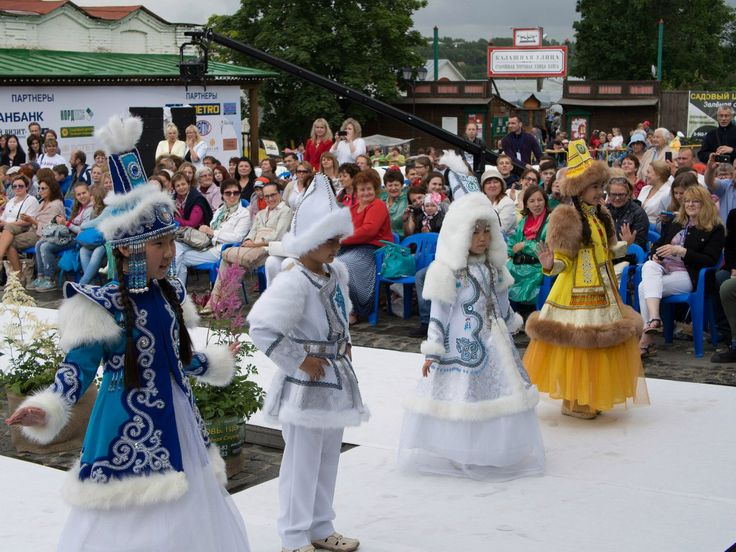 XI-й Российский фестиваль моды «Плес на Волге. Льняная палитра». – 126 фотографий