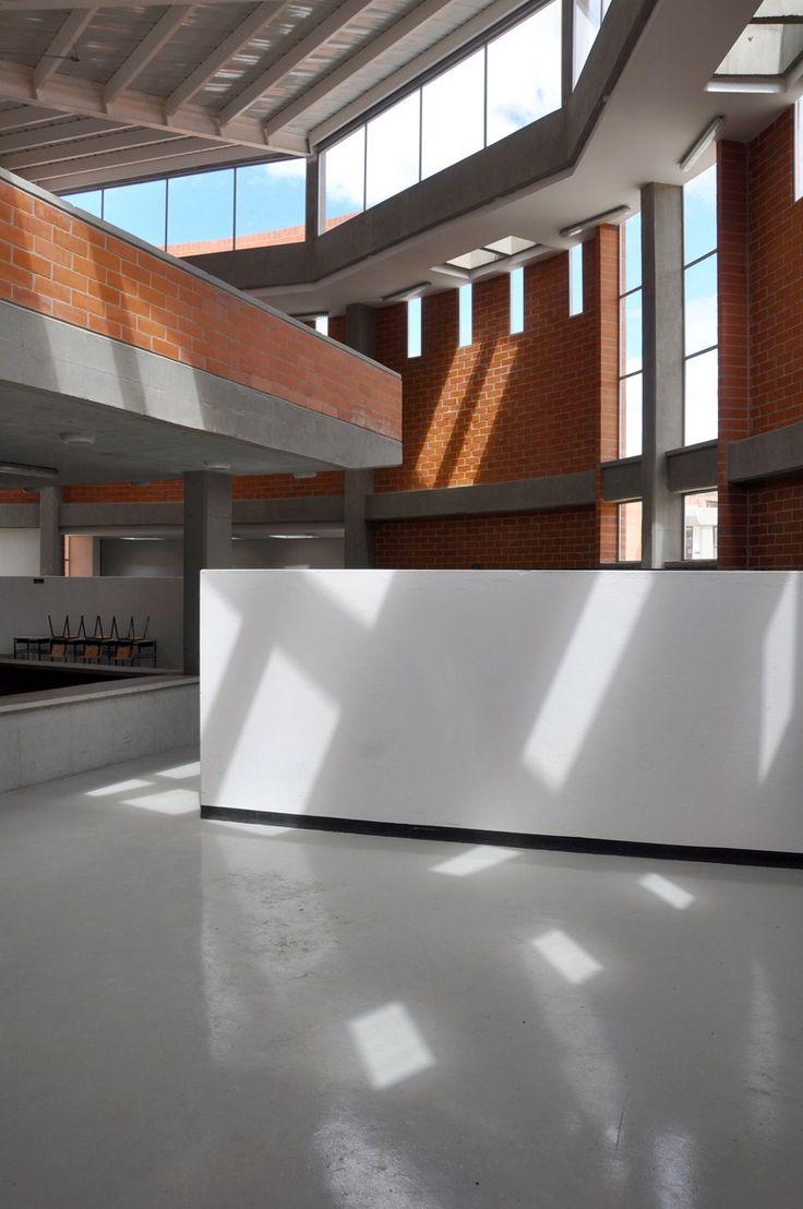 Colegio en Soacha / Alejandro Peña Cuéllar Arquitecto - Biblioteca