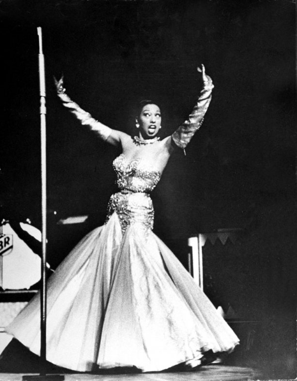 620 best images about josephine baker on pinterest for Josephine baker images