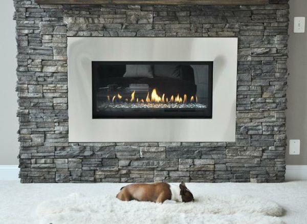 Natursteinwand im Wohnzimmer - der natürliche Charme von echtem Stein |  Minimalisti.com
