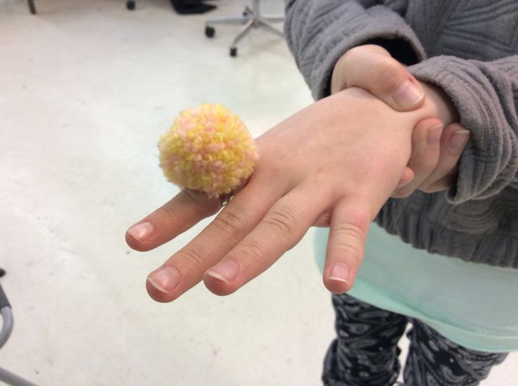 Julie made pompom for finger