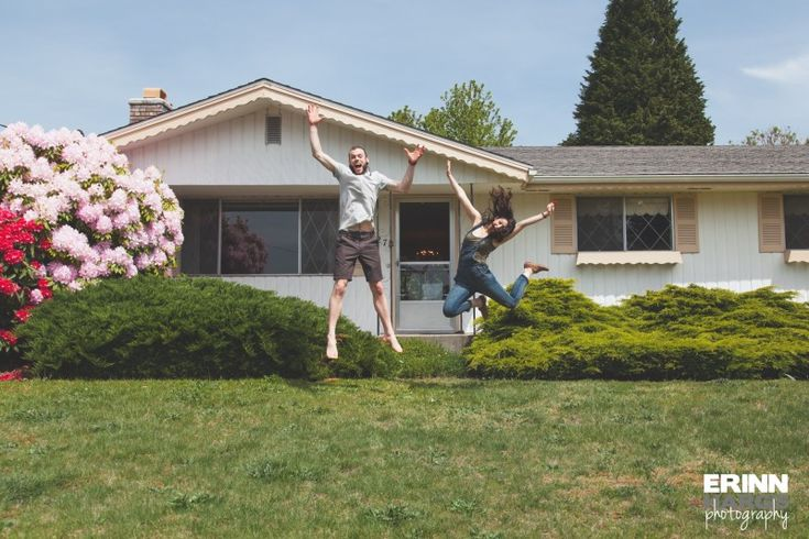 Fun photo idea for first house. New homeowners!