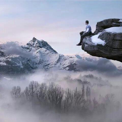 Hombre en la montaña más alta