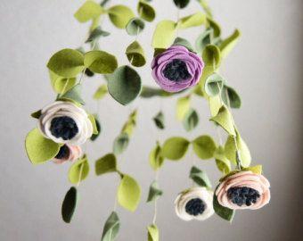 /Felt hängende Blüte Blume Mobile Kinderbett / von MagicWool