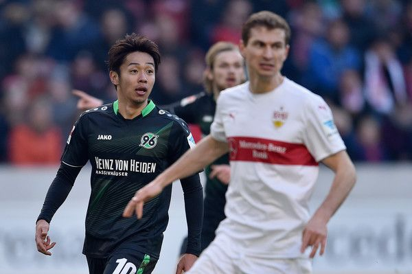 Hiroshi Kiyotake Photos - Hiroshi Kiyotake of Hannover 96 looks on during the Bundesliga match between VfB Stuttgart and Hannover 96 at Mercedes-Benz Arena on February 27, 2016 in Stuttgart, Germany. - VfB Stuttgart v Hannover 96 - Bundesliga