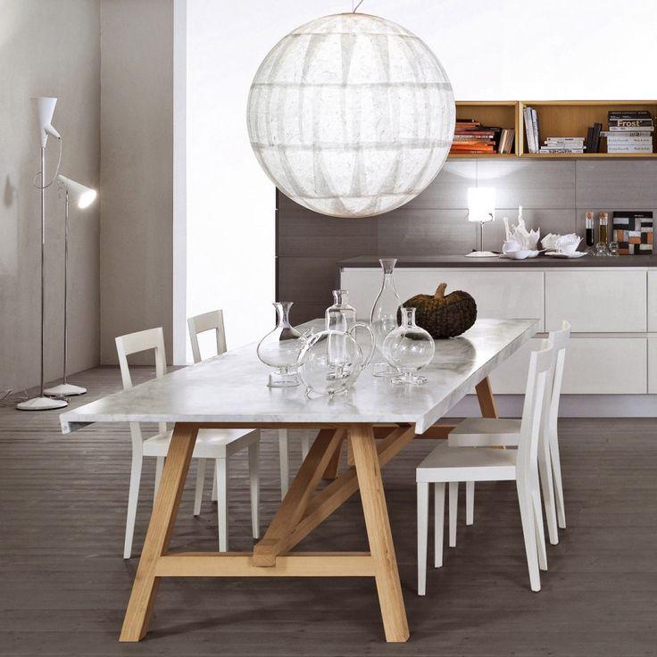 LIVIA, sedia dal design ricercato progettata per la prima volta nel 1937 da Gio Ponti e rivisitata da L'Abbate in chiave moderna.