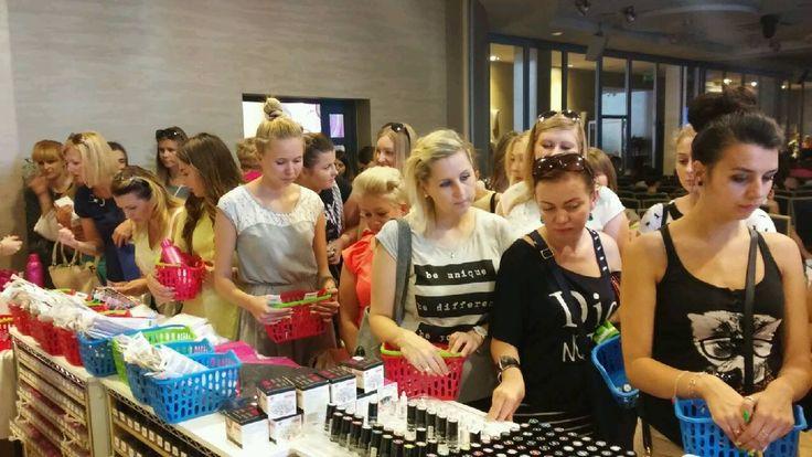 Pokaz w Olsztynie. Zakupy pełną parą! #shopping #semilac #akademiasemilac #Olsztyn