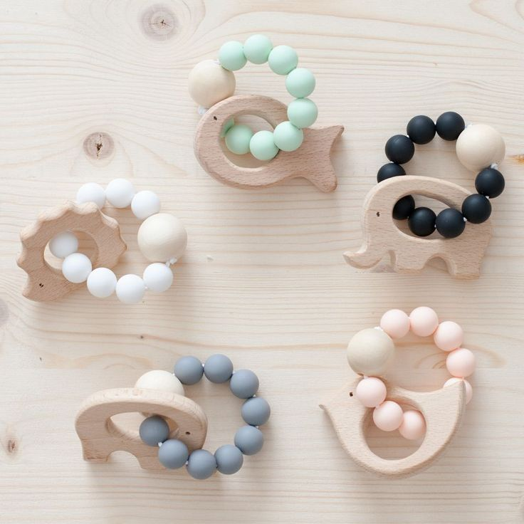 MORDEDORES DE SILICONA Y MADERA // WOOD AND SILICONE BABY TEETHING TOY // TEETHER